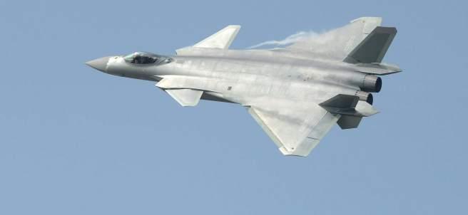 Avión de combate chino caza J-20