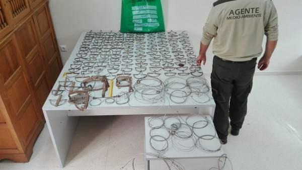 Artes ilegales intervenidas por la Junta en Málaga