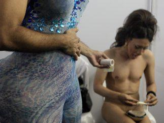 Dos transexuales entre bastidores