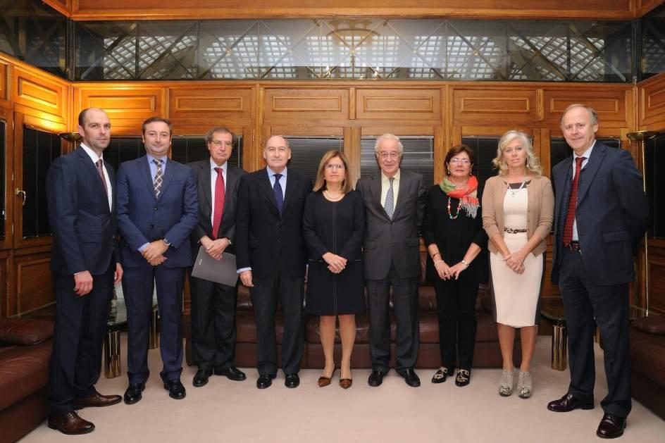 El consejo consultivo de liberbank en cantabria aborda la for Oficinas liberbank oviedo
