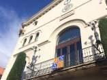 Bandera de Berga en el Ayuntamiento de Badalona