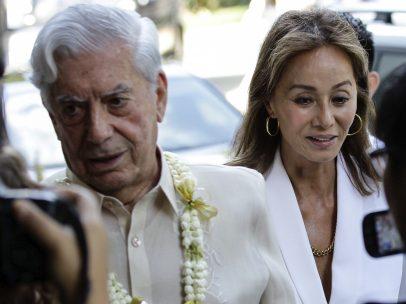 Vargas Llosa, en la tierra de su pareja