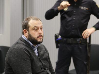 Guillermo Zapata, en el banquillo