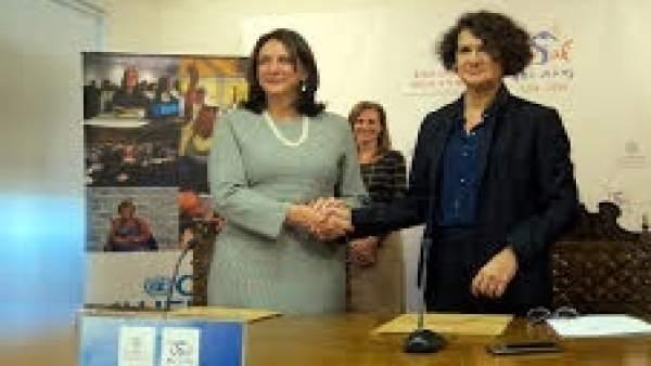 Luiza Carvalho Tras Firmar Un Convenio De Colaboración En La Usal