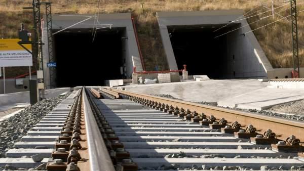 Renfe-infraestructuras-red viaria-trenes