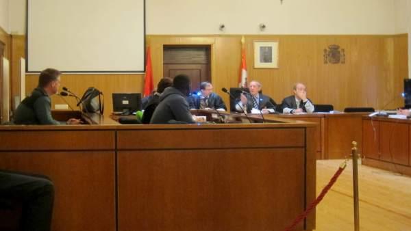 El ciudadano senegalés, en el banquillo de la Audiencia de Valladolid.