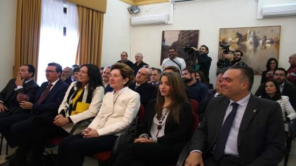Asistencia de populares al pleno de investidura de Cayuela