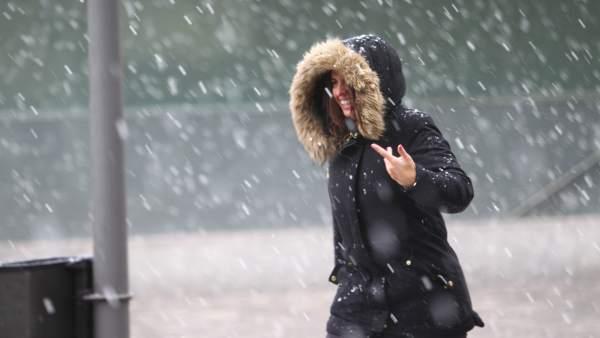Nieva en Madrid capital.