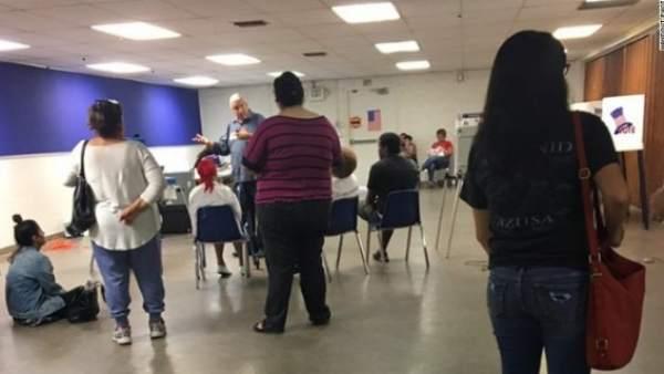 Tiroteo cerca de un centro de votación en California.