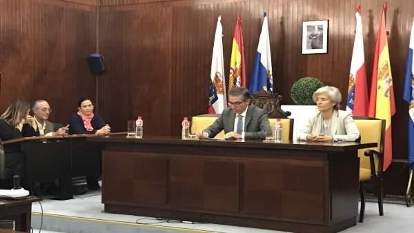 César Díaz preside la sesión del Pleno extraordinario