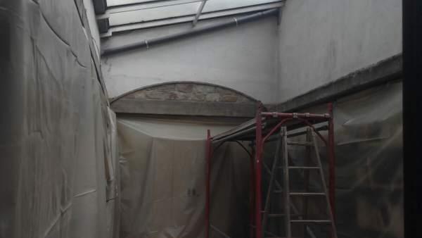 Obras en el lucernario del Palacio Montcada de Fraga