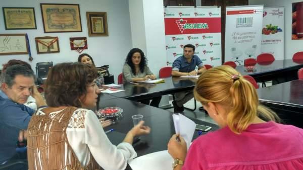 Reunión Freshuelva y Cruz Roja
