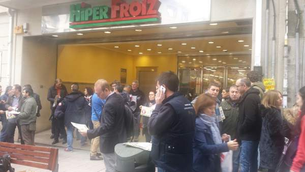 Boicot de ganaderos a Lactalis en Pontevedra