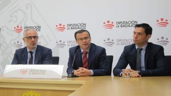 Miguel Ángel Gallardo, en el centro