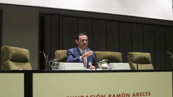El exgobernador del banco de espa a jaime caruana for Ibercaja banco oficinas