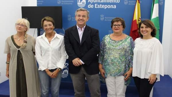 NP Y Fotografía El Ayuntamiento Costea A 200 Personas El Aprendizaje De Inglés P