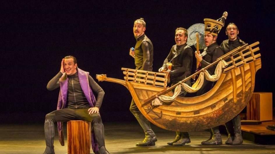 Autores promotores y artistas avalan la bajada del igic for La cocina obra de teatro