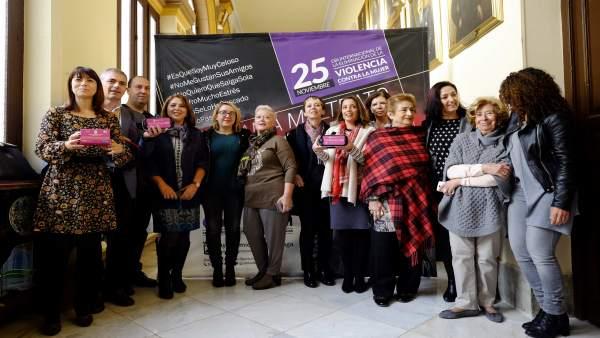 Presentación campaña 'se llama maltrato y lo sabes' del Ayuntamiento de Málaga