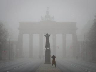 Amanecer neblinoso en Berlín