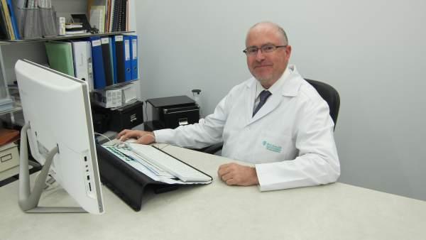 El director del Biosalud Day Hospital de Zaragoza, Mariano Bueno