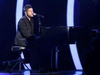 Pablo López y su piano