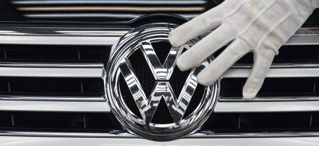 Volkswagen recortará 30.000 empleos
