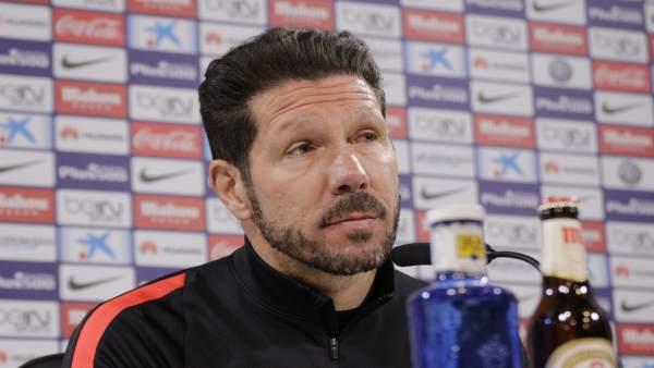 """Simeone: """"Aceptamos todas las críticas"""""""