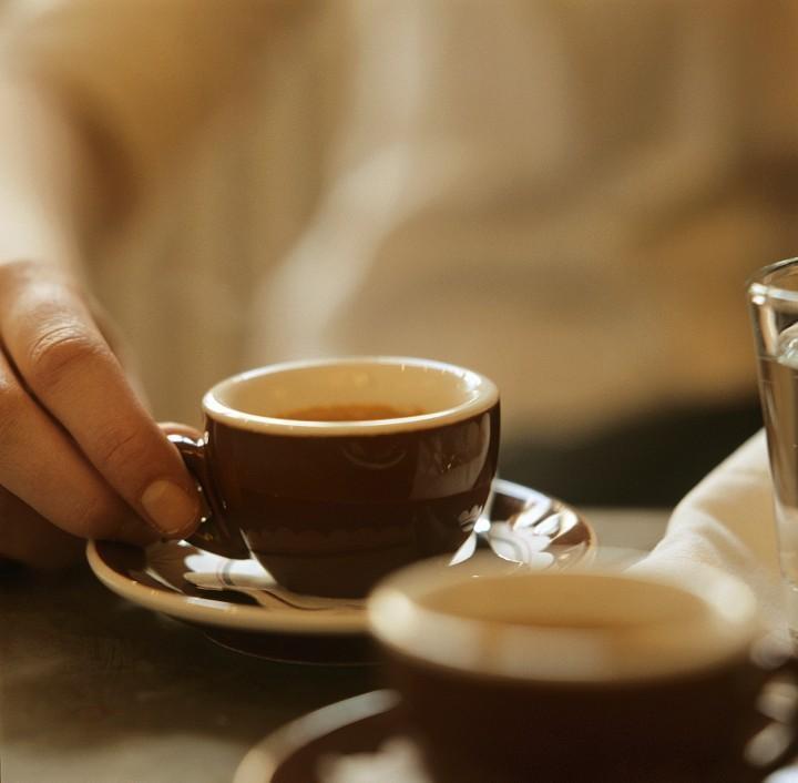Un macroestudio indica que tres tazas de caf al d a for Tazas para cafe espresso