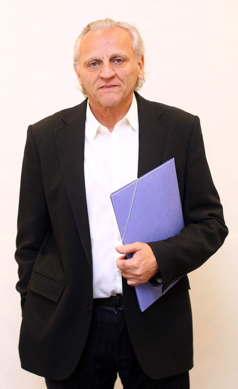 Carta a los abogados de atocha lex grijelmo for Oficina de empleo atocha