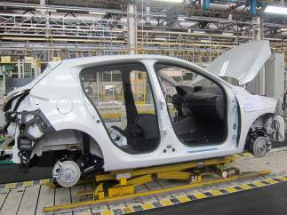 Cadena de montaje en una factoría de Renault