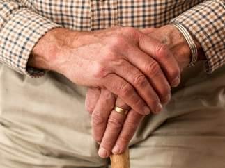 Los ancianos, preocupados por sus pensiones