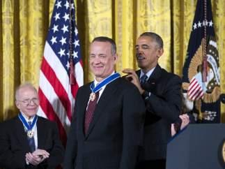 Obama condecora a Tom Hanks