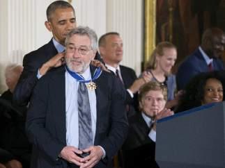 Obama condecora a De Niro