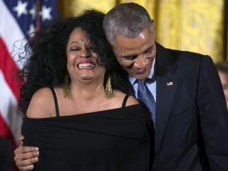 Obama condecora a Diana Ross