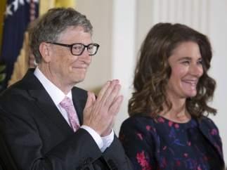 Obama condecora a Bill y Melinda Gates