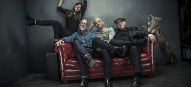 Pixies: Paz Lenchantin, David Lovering, Joey Santiago, Black Francis