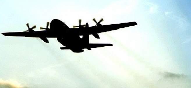 Aviones sobrevolando sobrevolando los Altos del Golán (Siria).