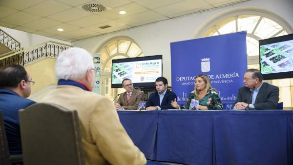 La Feria 'Infoagro Exhibition' se centra en productor y agricultura ecológica.
