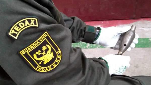 Guardia Civil retira una granada de mortero
