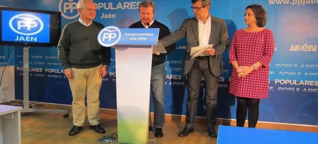 García Anguita (2i) y Ferreira (2d) en la rueda de prensa.