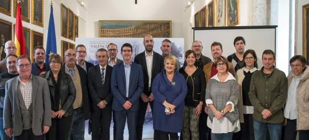 Rodríguez y Seguí junto a los alcaldes de los municipios beneficiados del plan