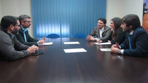 Reunión del PP con la Asociación de Jóvenes Empresarios