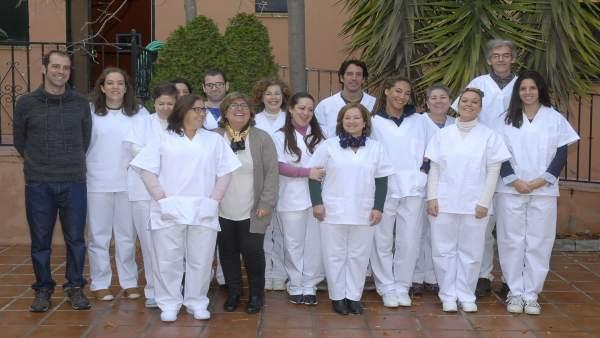 Muñoz con asistentes al curso de asistencia sociosanitaria