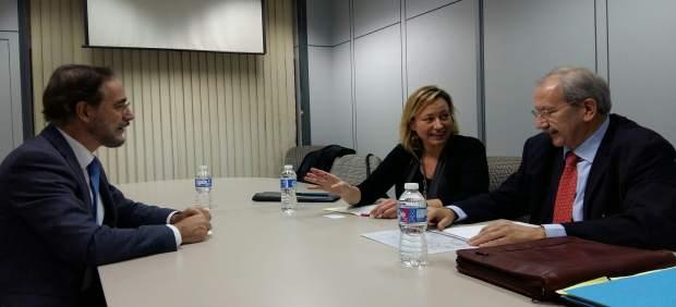 Gastón se reúne con el consejero andaluz de Fomento y Vivienda, Felipe López
