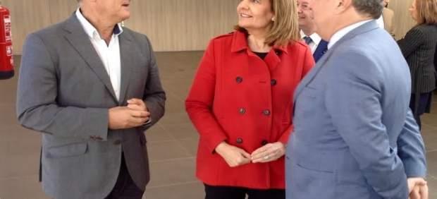 La ministra de Empleo, Fátima Báñez, en nueva sede de Seguridad Social de Lepe.