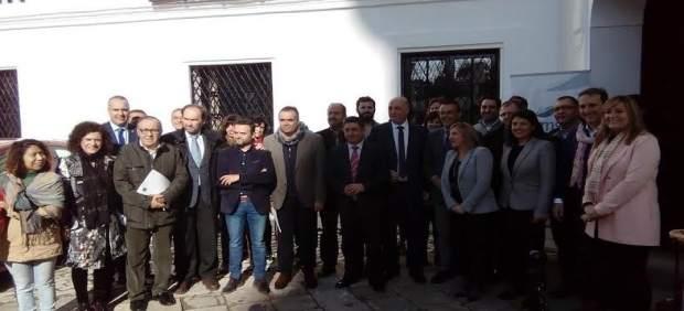 Representantes institucionales durante la Asamblea del Famsi