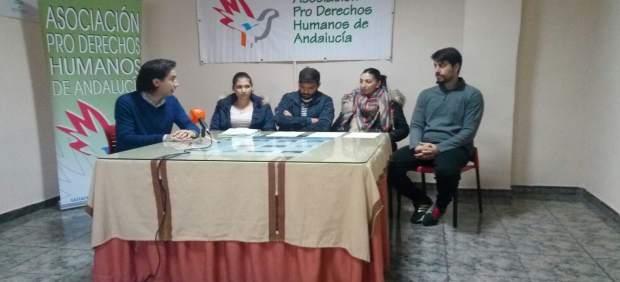 Rueda de prensa de APDH-A sobre viviendas