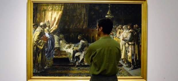 Un espectador en el Museo de Bellas Artes de Valencia