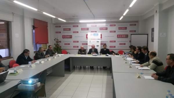 El presidente de la Fundación, Francisco de la Torre, presidiendo la reunión.