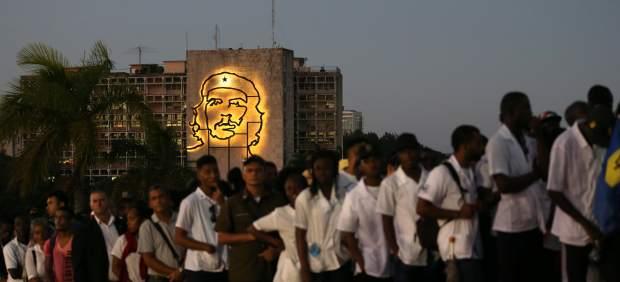Miles de cubanos, en la despedida de Fidel Castro